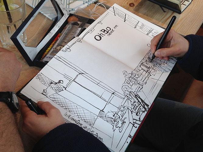 Urban sketching en la cafetería OhBo de Barcelona. © Lucía Gómez Serra