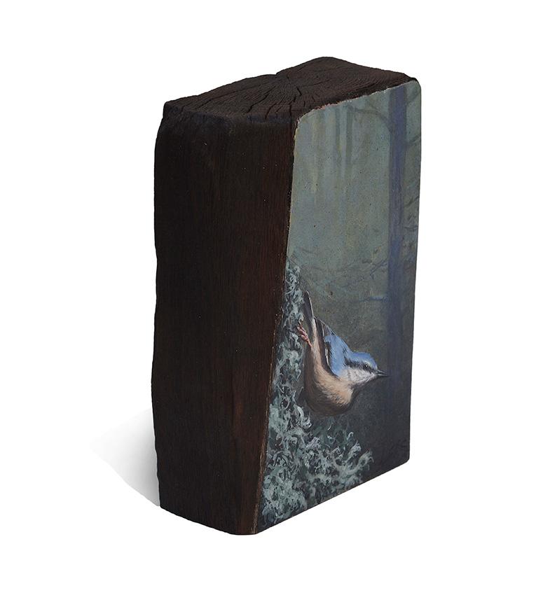 Trepador azul / Eurasian nuthatch / Sitta europaea – Acrílico sobre madera de cerezo / Acrylic painting on cherrywood – 19,5x12,5x6,2cm - © Lucía Gómez Serra